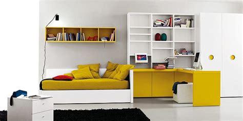 repeindre un canapé en tissu comment transformer la chambre de votre enfant en chambre