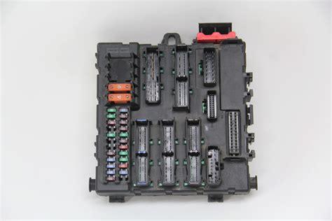 04 Saab 9 3 Fuse Box saab 9 3 interior rear fuse box 12805847 oem 03 04 05 06