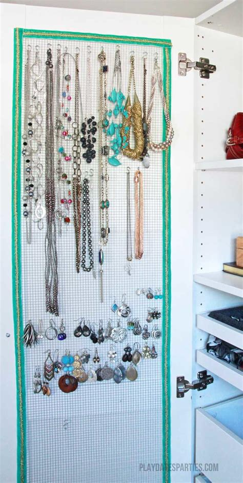 awesome hidden jewelry organizer