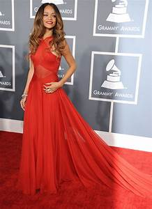 rihanna sur le tapis rouge photo With rihanna robe rouge
