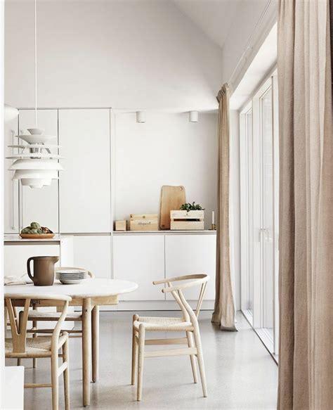 chaise bois cuisine chaise de cuisine en bois lot de 4 chaises bistrot par