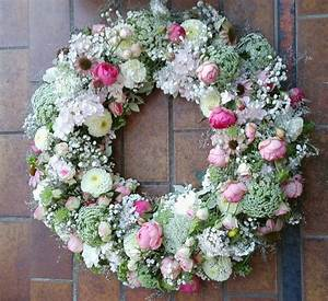 Trauer Blumen Bilder : trauer kranz floristik pinterest kranz beerdigung blumen und kranz beerdigung ~ Frokenaadalensverden.com Haus und Dekorationen