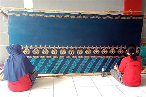 Maybe you would like to learn more about one of these? Kalapas dan Karutan se-Kalteng tertarik batik olahan warga ...