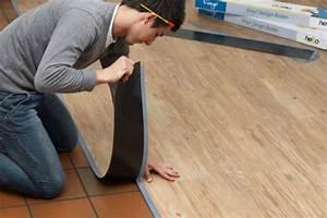 Bodenbelag Pvc Holzoptik : fu b den aus vinyl designb den ersetzen laminat parkett und co q ~ Markanthonyermac.com Haus und Dekorationen