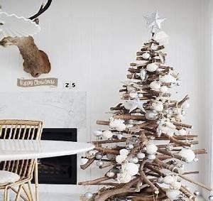 Branche De Bois Deco : bois flotte pour un sapin de noel tendance ~ Teatrodelosmanantiales.com Idées de Décoration
