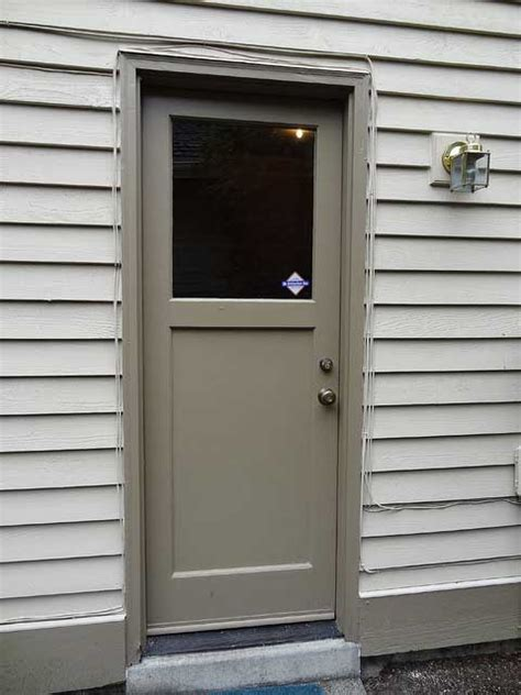do you want to replace a mobile home door read this