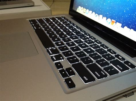jual  macbook pro  quad core  vga  gb