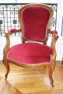 Fauteuil De Style : fauteuil style louis xviii ~ Teatrodelosmanantiales.com Idées de Décoration