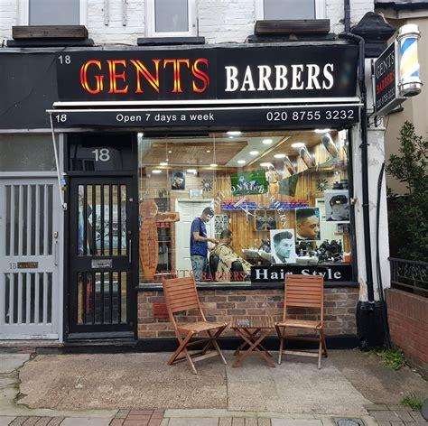 Scissor over comb left hand... - London Barberhood Tooting
