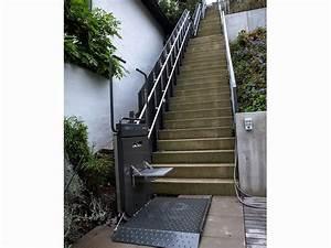 Treppe Hauseingang Kosten : rollstuhl hebelift an steiler treppe mit drei abs tzen ~ Lizthompson.info Haus und Dekorationen