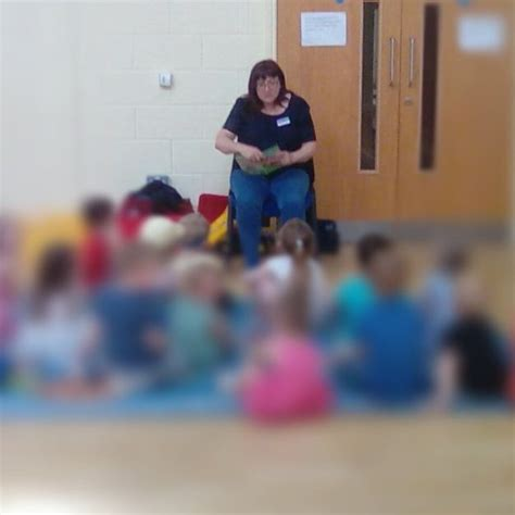 story telling at preschool stanwick preschool 446 | Story Telling e1535308582728