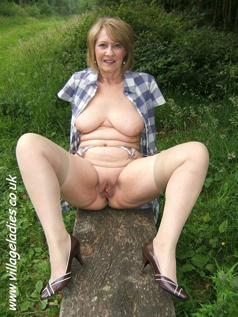 Kelly Village Ladies Nude