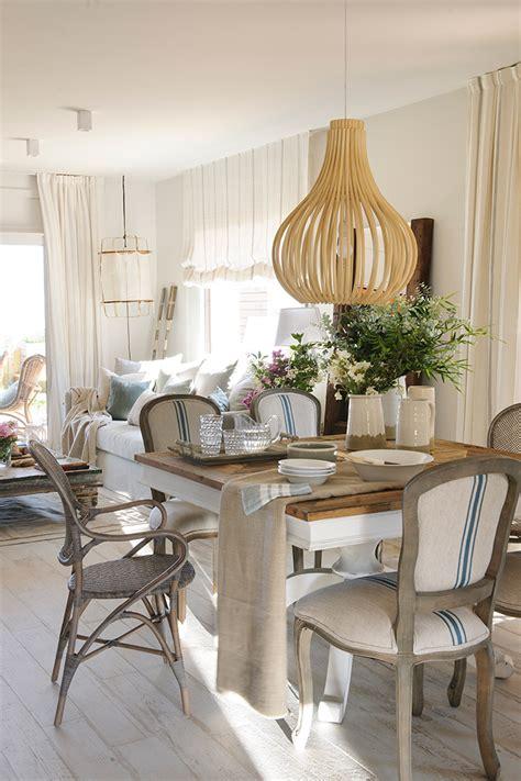 saln  comedor  mesa cuadrada  sillas blancas