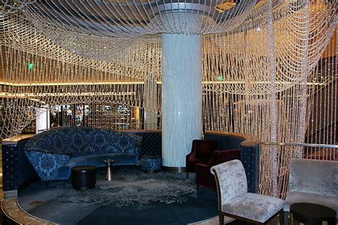 chandelier lounge at the cosmopolitan photo lynnh photos