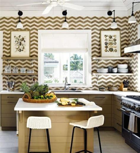 cuisine laqu馥 taupe cuisine taupe laqu wall mural interior design trend home design and decor la sobrit du0027une cuisine blanche meuble tv a vendre