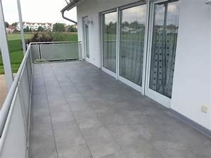 terrasse sanieren terrasse sanieren design ideen With markise balkon mit graue stein tapeten
