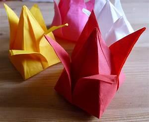 Pliage Serviette En Papier Noel : pliage en papier r aliser un poinsettia avec une serviette en papier decoration de table de ~ Farleysfitness.com Idées de Décoration