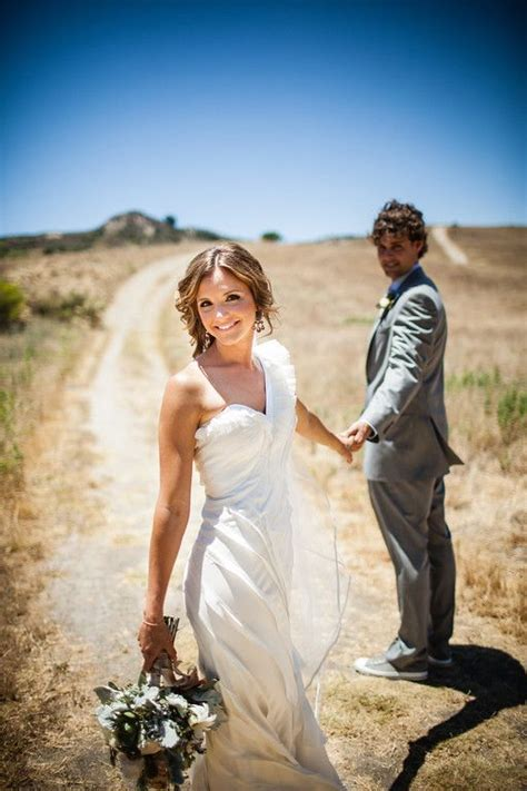 Dramatically Unique Wedding Couple Photo Shoot Idea