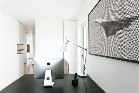 Apartment Design For Pilot & Aviation Enthusiast