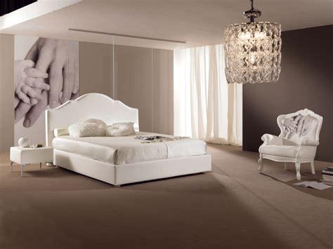 canapé simili cuir blanc chambre à coucher avec lit 2 places design