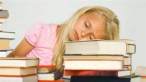 schlafen lernen im schlaf schlaf gesellschaft