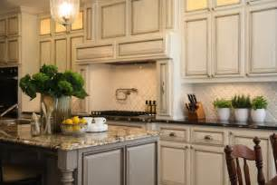 vintage kitchen tile backsplash arabesque backsplash tiles design ideas