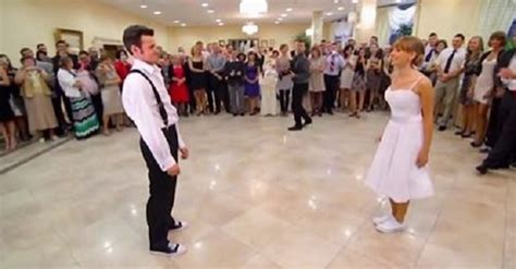 hit the floor wedding when they hit the floor for the first dance at their wedding no one saw this coming