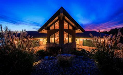 contemporary style lakefront home  lake ozark missouri homes   rich