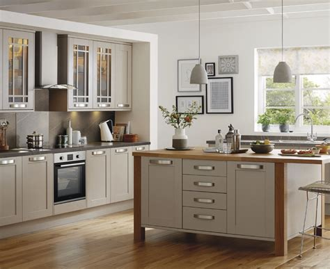 what color for kitchen interesting kitchen design ideas howdens in decorating 7034