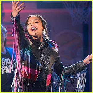 Raven Symone Teases 'Legendary' Music Video Featuring ...
