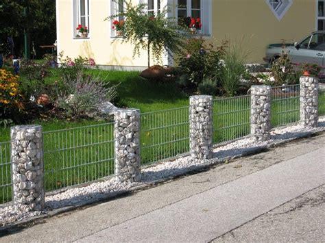 Glas und stein zaun gemischt terrasse zaun sichtschutzzaun garten zaun garten. Gabionen Rundsäulenelemente in 2019 | Zaun garten, Zaun und Garten zaun ideen
