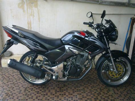 Modifikasi Motor Byzon by Modifikasi Motor Honda Tiger 2008 Revo Velg 17