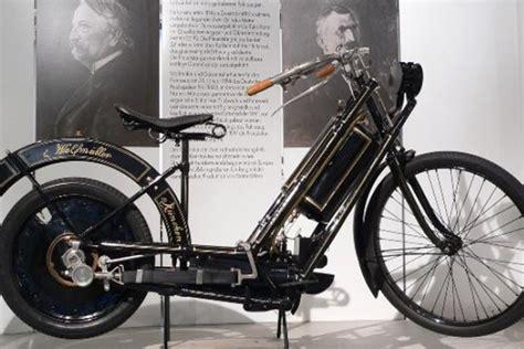 Motor Pertama Di Dunia by Sejarah Sepeda Motor