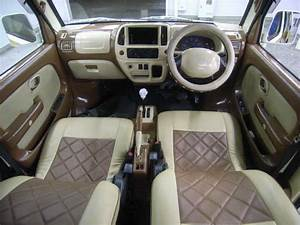 "VW Microbus Concept ""Bulli"" and VW Van-Style Suzuki Every"