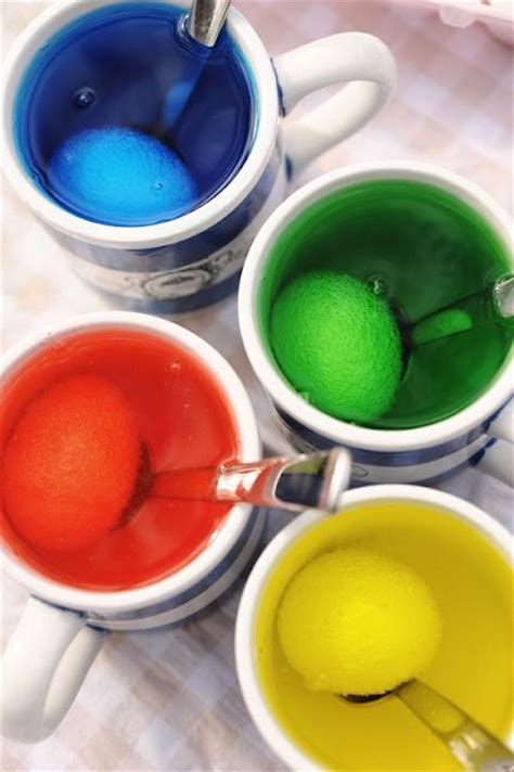 dying easter eggs with food coloring dyeing easter eggs with vinegar and food coloring