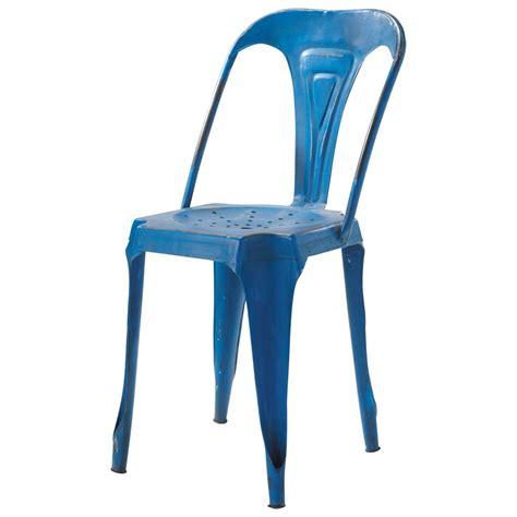 chaise bleue chaise indus en métal bleue multipl 39 s maisons du monde