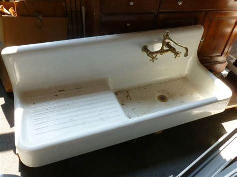 antique kitchen sinks farmhouse 25 best ideas about antique farmhouse on 4104