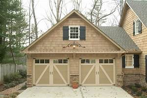 Carriage garage doors580p insulation rvalue 475 1 year for Carriage style garage doors lowes