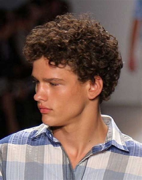 35 cool curly hairstyles for men mens hairstyles 2018