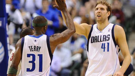 Dirk Nowitzki hält Dallas auf Playoff-Kurs - DER SPIEGEL