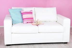 Mikrofaser Couch Reinigen : sofa aus microfaser richtig reinigen und pflegen ~ Orissabook.com Haus und Dekorationen