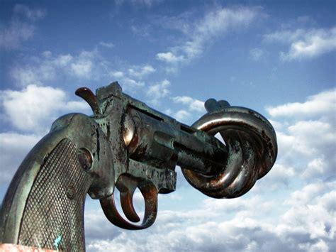 siege social caen non violence reuterswärd wikipédia