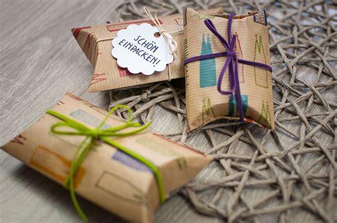 geschenke sch 246 n verpacken sch 246 n einpacken pillow box geschenke einpacken geschenke