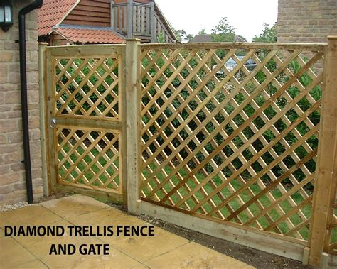 Garden Fence Trestle by Rail Fence Trellis Fence With Matching