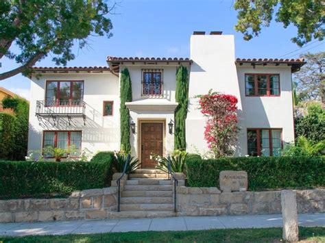 5 Mediterraneanstyle Homes Around The World
