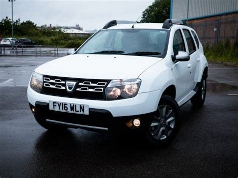 renault duster white 2016 16 dacia duster 1 5 dci 110 laureate 5dr in white