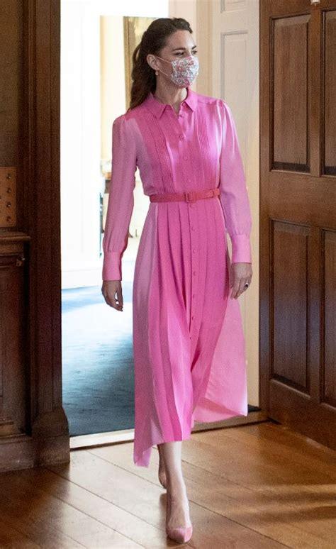 FOTO. Rozā kā cukurvate! Keitas Midltones spilgtās krāsas ...