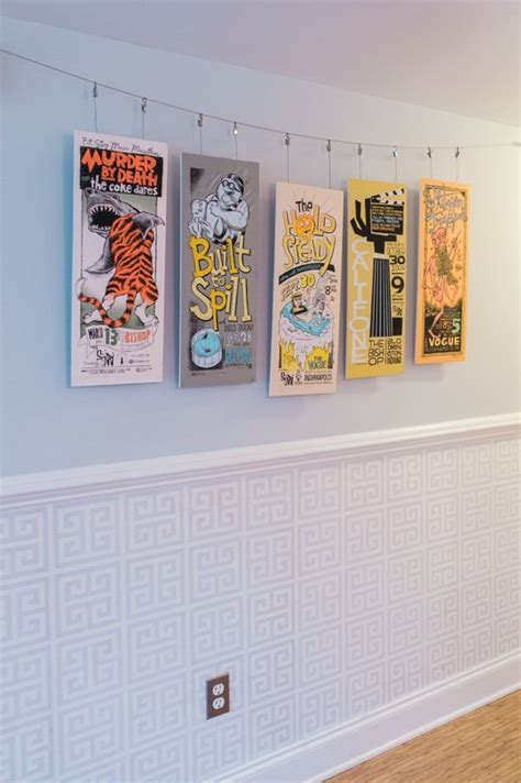 hang  favorites    diy poster frames