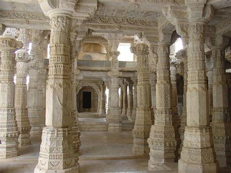white temple  ranakpur  decorated pillars