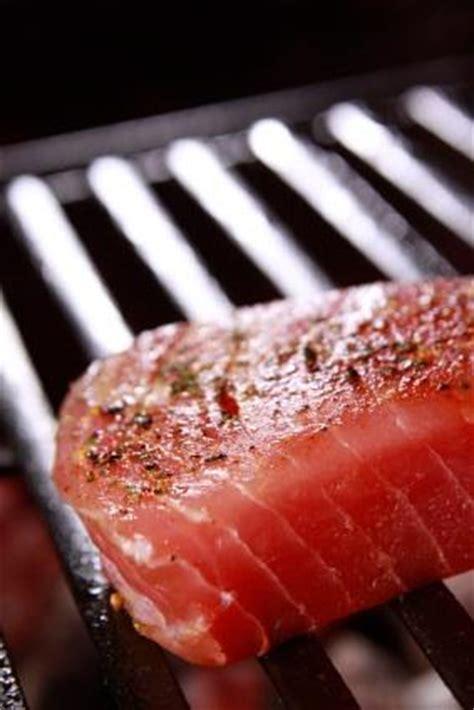 how to grill tuna steaks grilled tuna steaks